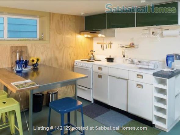 Stylish & Cozy Green Lake Apartment  Home Rental in Seattle, Washington, United States 0
