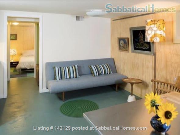 Stylish & Cozy Green Lake Apartment  Home Rental in Seattle, Washington, United States 2