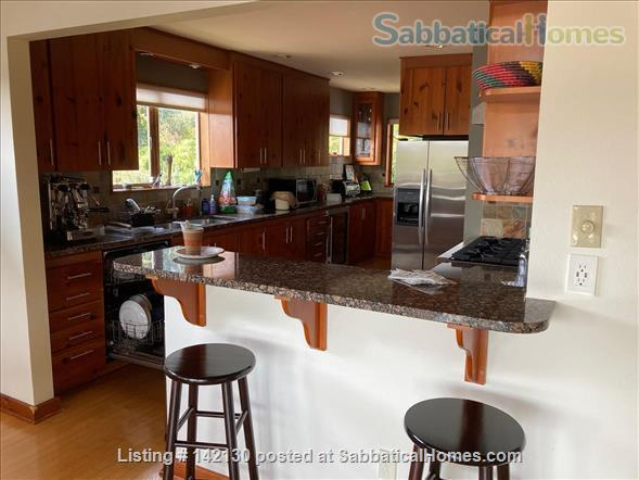 Beautiful Mid-century Modern Home with Views (available 2022!) Home Rental in Seattle, Washington, United States 2