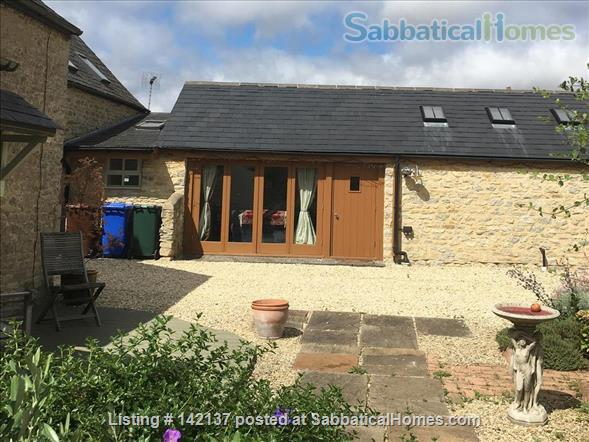 Cottage in historic village close to Oxford, UK Home Rental in Islip, England, United Kingdom 0
