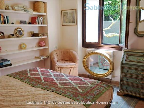 A Cozy Garden Refuge In Handy, Residential Venice Home Rental in Venice 0