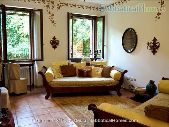 A Cozy Garden Refuge In Handy, Residential Venice Home Rental in Venezia, Veneto, Italy 2