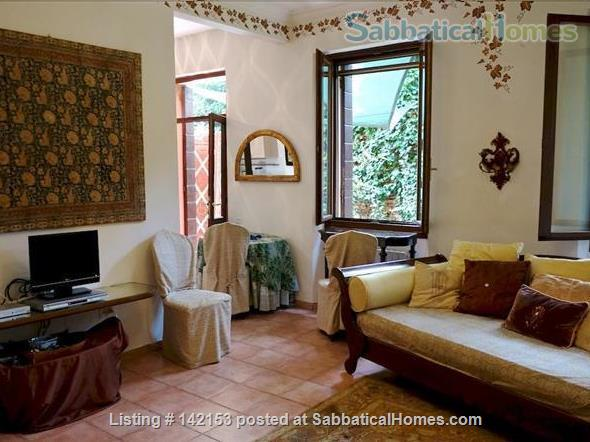 A Cozy Garden Refuge In Handy, Residential Venice Home Rental in Venezia, Veneto, Italy 3