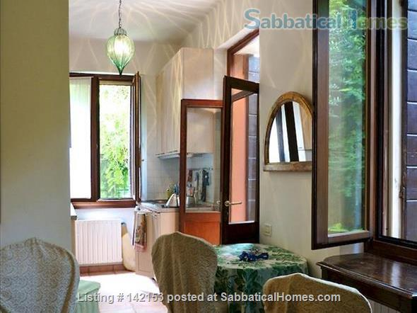A Cozy Garden Refuge In Handy, Residential Venice Home Rental in Venezia, Veneto, Italy 4