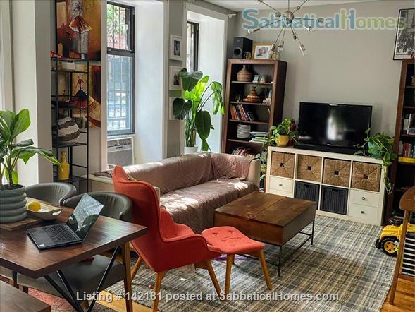 Beautifully furnished and newly renovated large 2 bed apt available  Home Rental in New York, New York, United States 1