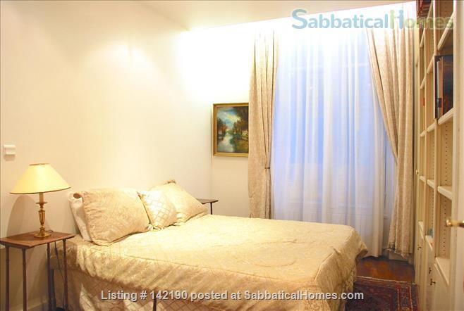 FACING ISLE ST. LOUIS - ELEGANT 3 BEDS 2 BATHS - 1100sq ft. APARTMENT Home Rental in Paris, Île-de-France, France 5