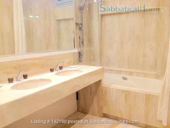 FACING ISLE ST. LOUIS - ELEGANT 3 BEDS 2 BATHS - 1100sq ft. APARTMENT Home Rental in Paris, Île-de-France, France 6