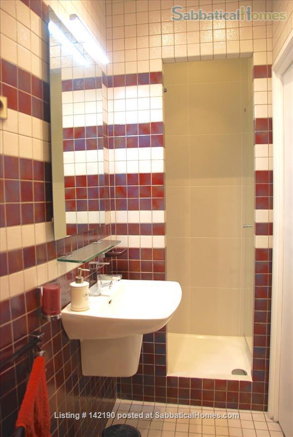FACING ISLE ST. LOUIS - ELEGANT 3 BEDS 2 BATHS - 1100sq ft. APARTMENT Home Rental in Paris, Île-de-France, France 7