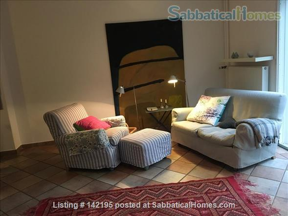 Beautiful little house with large conservatory/library and garden Home Rental in Hamburg, HH, Germany 2