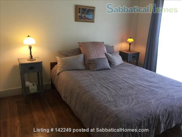 Gorgeous 2 bedroom 2 bathroom house in great neighborhood - 31 day minimum Home Rental in Oakland, California, United States 0