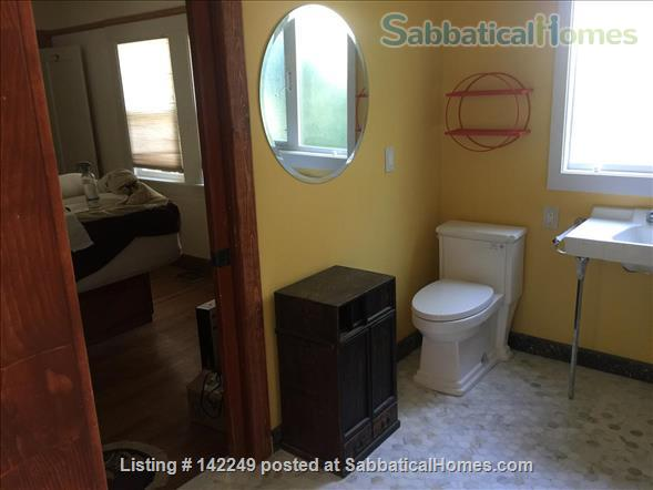 Gorgeous 2 bedroom 2 bathroom house in great neighborhood - 31 day minimum Home Rental in Oakland, California, United States 6