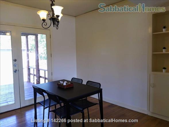 Hardwood Floors 2-bedroom Apt, Central Air, Free Parking and Large Yard Home Rental in San Antonio, Texas, United States 1