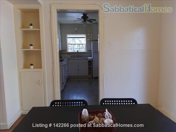 Hardwood Floors 2-bedroom Apt, Central Air, Free Parking and Large Yard Home Rental in San Antonio, Texas, United States 0