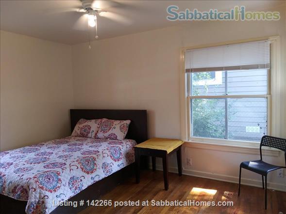 Hardwood Floors 2-bedroom Apt, Central Air, Free Parking and Large Yard Home Rental in San Antonio, Texas, United States 5
