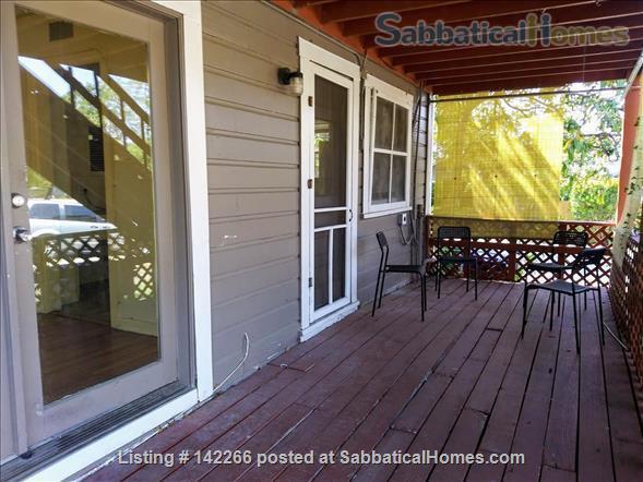 Hardwood Floors 2-bedroom Apt, Central Air, Free Parking and Large Yard Home Rental in San Antonio, Texas, United States 6
