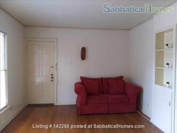 Hardwood Floors 2-bedroom Apt, Central Air, Free Parking and Large Yard Home Rental in San Antonio, Texas, United States 8