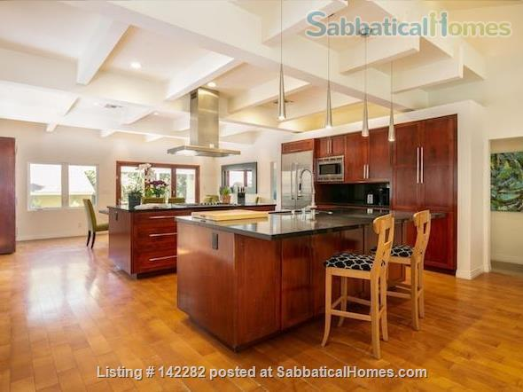 2522 sqft, 3 Bed/2.5 Bath Craftsman in Westwood / Rancho Park  Home Rental in Los Angeles, California, United States 1