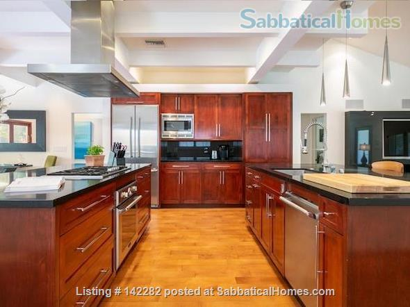 2522 sqft, 3 Bed/2.5 Bath Craftsman in Westwood / Rancho Park  Home Rental in Los Angeles, California, United States 0