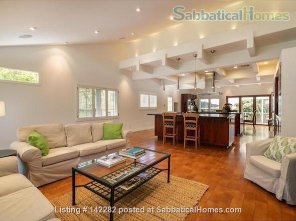 2522 sqft, 3 Bed/2.5 Bath Craftsman in Westwood / Rancho Park  Home Rental in Los Angeles, California, United States 3