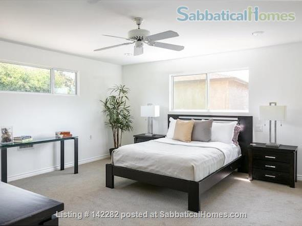 2522 sqft, 3 Bed/2.5 Bath Craftsman in Westwood / Rancho Park  Home Rental in Los Angeles, California, United States 4