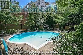 RARE 650 SQUARE FEET 1 Bed, 1 BATH condo in Toronto Home Rental in Toronto, Ontario, Canada 9