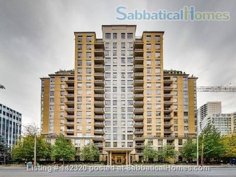 RARE 650 SQUARE FEET 1 Bed, 1 BATH condo in Toronto Home Rental in Toronto, Ontario, Canada 6