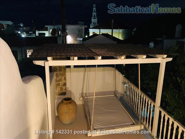 Beautiful and luxurious traditional villa in the prettiest village of Rhodes - ideal for writing and reflection in a quiet paradise; with beaches, UNESCO-listed Rhodes town and airport nearby.  Home Rental in Rhodes, , Greece 8
