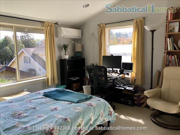 Airy 3BR townhome with offices and easy access to UW Home Rental in Seattle, Washington, United States 0