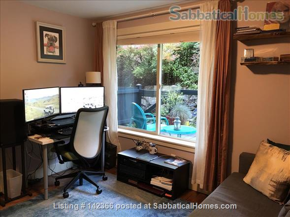 Airy 3BR townhome with offices and easy access to UW Home Rental in Seattle, Washington, United States 2