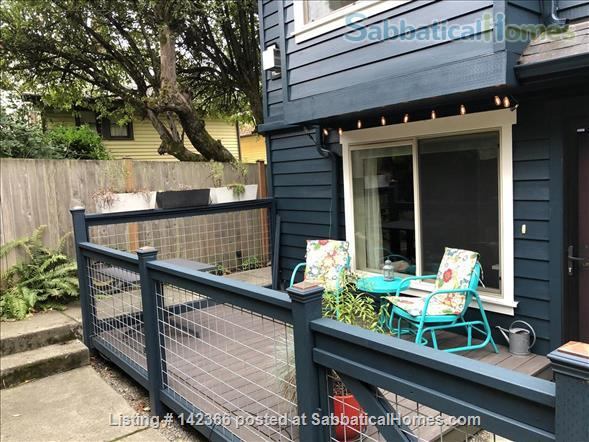 Airy 3BR townhome with offices and easy access to UW Home Rental in Seattle, Washington, United States 7