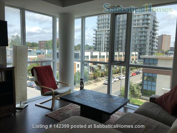 Sunny two-bedroom, two bath condo near downtown Toronto hospitals and universities, owned by Ryerson prof. Home Rental in Toronto, Ontario, Canada 7