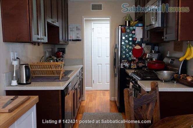 Santa Monica condo in quiet building - Wilshire Montana neighborhood Home Rental in Santa Monica, California, United States 3