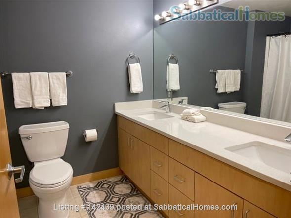 Lg. 1 bed/1 bath 2nd Floor Condo near Capitol Square.  Recently renovated Home Rental in Madison, Wisconsin, United States 9