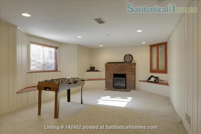 Sunny and Bright House in a Safe Neighborhood Near UMN Home Rental in Minneapolis, Minnesota, United States 9