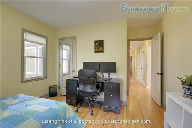 Sunny and Bright House in a Safe Neighborhood Near UMN Home Rental in Minneapolis, Minnesota, United States 7