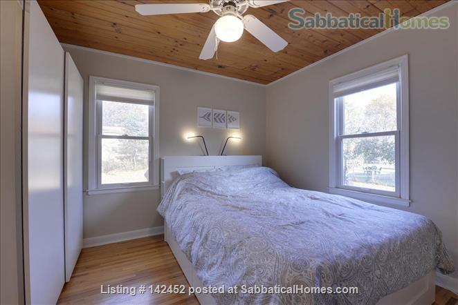 Sunny and Bright House in a Safe Neighborhood Near UMN Home Rental in Minneapolis, Minnesota, United States 8