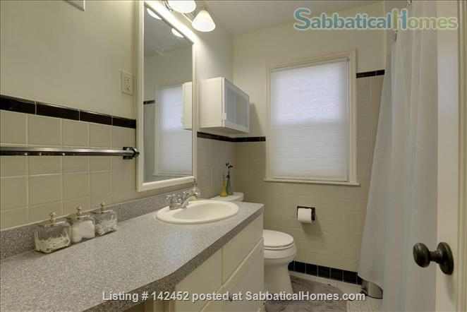 Sunny and Bright House in a Safe Neighborhood Near UMN Home Rental in Minneapolis, Minnesota, United States 4