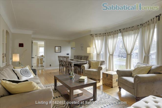 Sunny and Bright House in a Safe Neighborhood Near UMN Home Rental in Minneapolis, Minnesota, United States 1