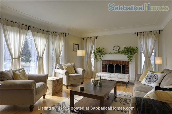 Sunny and Bright House in a Safe Neighborhood Near UMN Home Rental in Minneapolis, Minnesota, United States 0