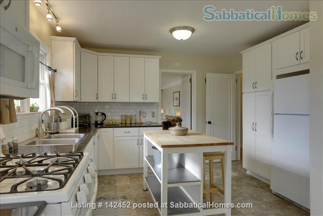 Sunny and Bright House in a Safe Neighborhood Near UMN Home Rental in Minneapolis, Minnesota, United States 2