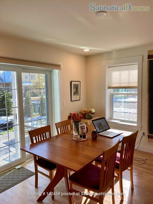 Northampton Ma 3 Bedroom sunny new house all solar Home Rental in Northampton, Massachusetts, United States 2