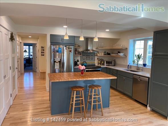 Northampton Ma 3 Bedroom sunny new house all solar Home Rental in Northampton, Massachusetts, United States 4