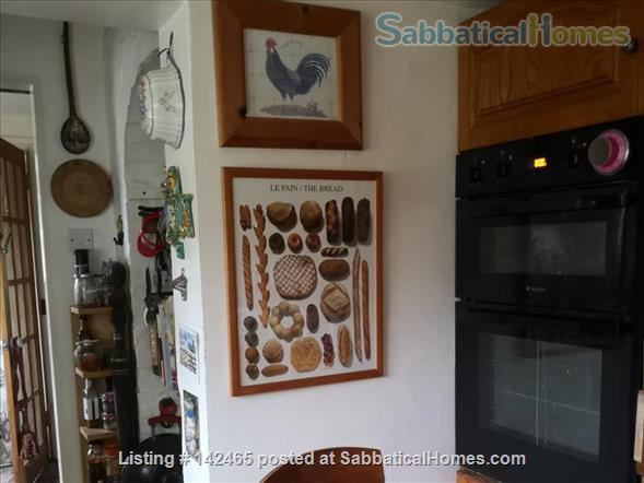 Whole House - old farmhouse in countryside 10 minutes commute time to Cambridge Home Rental in Hildersham, England, United Kingdom 8