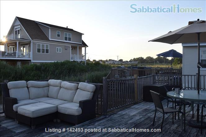 Lovely Cottage by the shore Home Rental in East Haven, Connecticut, United States 4