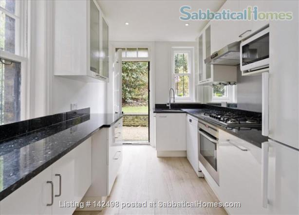 A beautiful split level 3 bedroom apartment available in the heart of Kensington with outside space. Home Rental in London, England, United Kingdom 0
