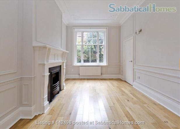 A beautiful split level 3 bedroom apartment available in the heart of Kensington with outside space. Home Rental in London, England, United Kingdom 2