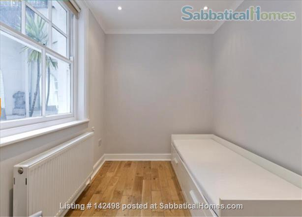 A beautiful split level 3 bedroom apartment available in the heart of Kensington with outside space. Home Rental in London, England, United Kingdom 6