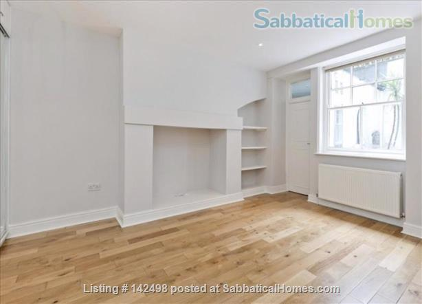 A beautiful split level 3 bedroom apartment available in the heart of Kensington with outside space. Home Rental in London, England, United Kingdom 7
