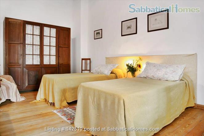 Quiet luminous balcony Apartment Home Rental in Florence 6