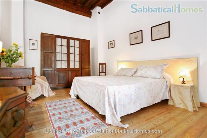 Quiet luminous balcony Apartment Home Rental in Florence 7